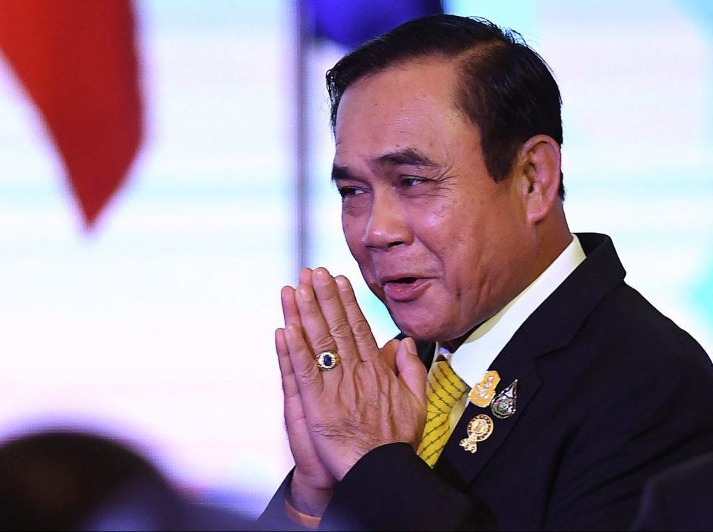 Video PM Thailand Menolak Mundur Meski Didemo Ribuan Massa