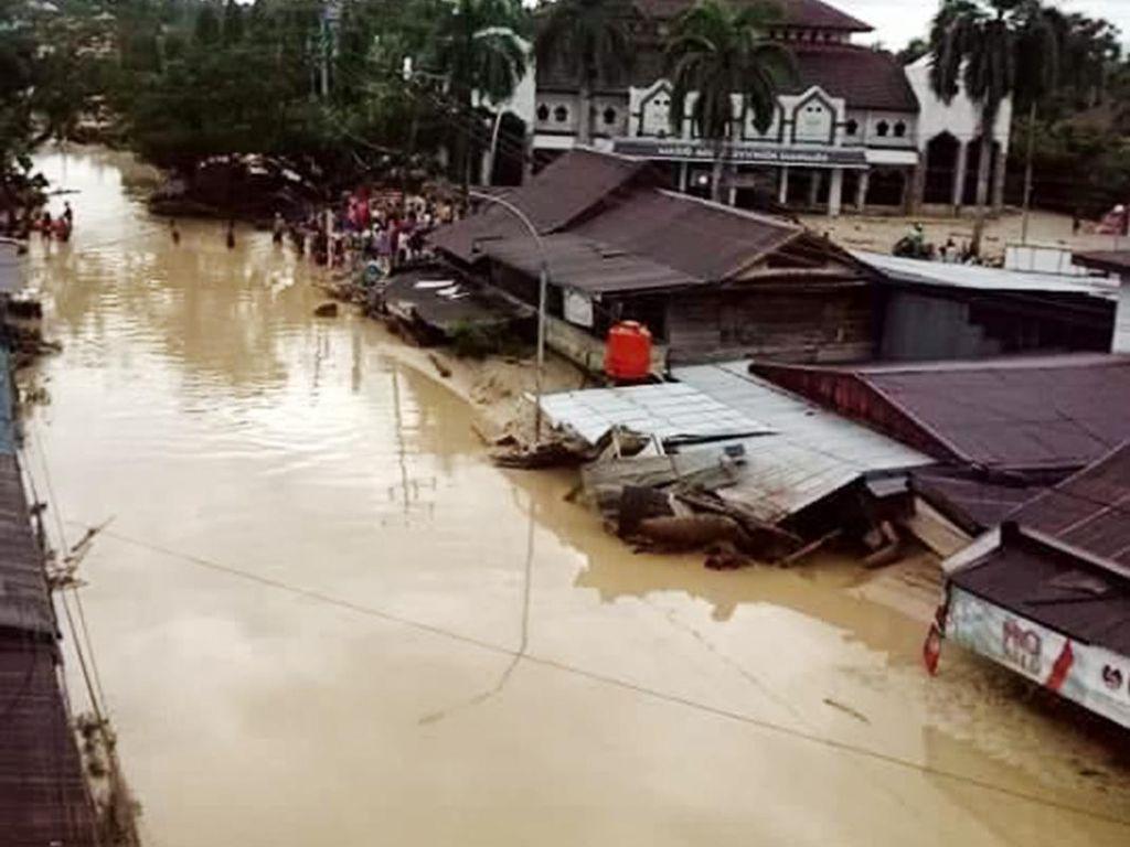 Video Penampakan Sisa Keganasan Banjir Bandang di Luwu Utara