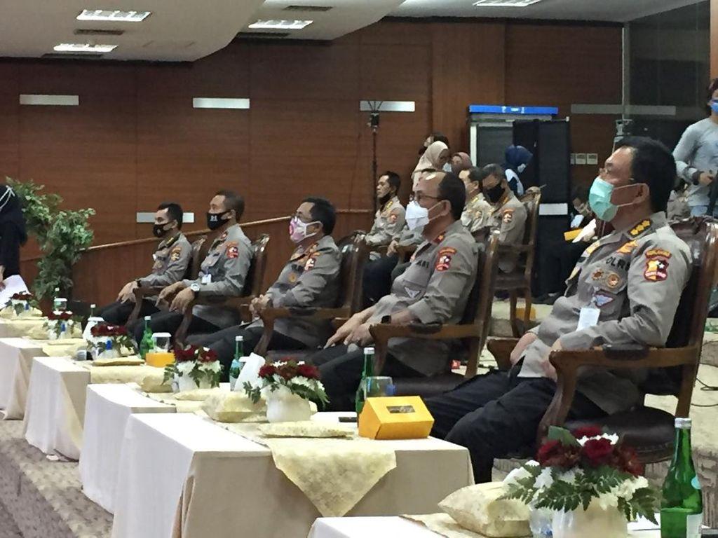Kakorlantas Sosialisasi Pelayanan SIM Internasional ke Dirlantas di Indonesia