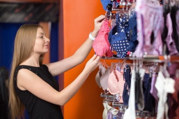 Salah memilih bra dapat membuat payudara kendur.