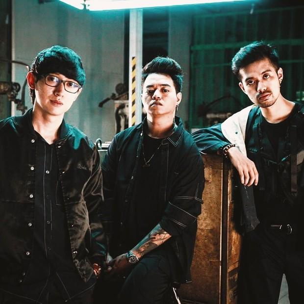 Weird Geniusadalah grup musikEDMdansynth-popasalIndonesia yang terbentuk pada 2016.