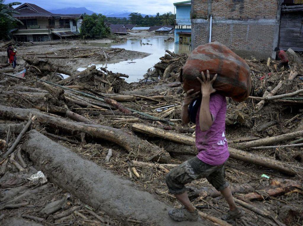 Pemprov Sulsel Siapkan Hunian Sementara untuk Korban Banjir Lutra