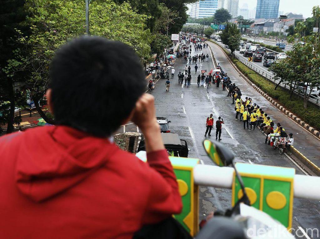 Aksi Demo PA 212 di DPR Jadi Tontonan