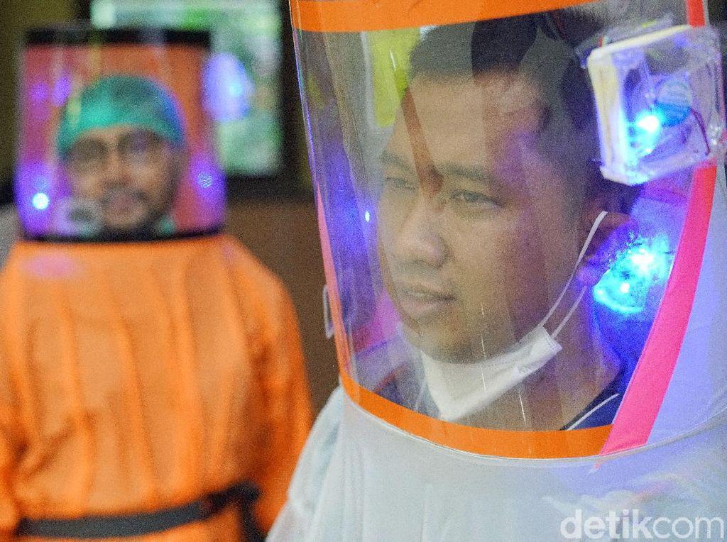 APD Buatan Dosen UNS, Ada Alat Filter Virus di Bagian Kepala