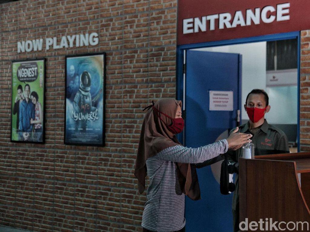 Bioskop Kembali Dibuka, Pengunjung Disarankan Pakai Masker Ini