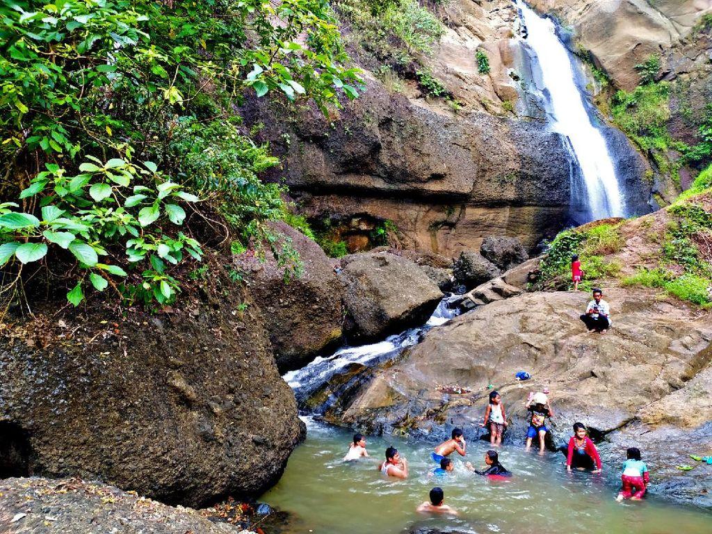 Curug Gumawang, Air Terjun yang Eksotis di Ciamis
