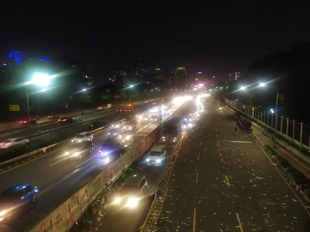 Pedemo di DPR Bubar, Jalan Gatot Subroto Kembali Dibuka