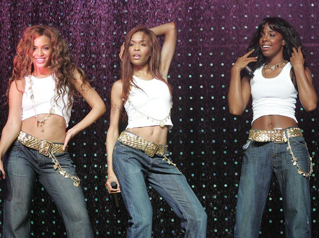 Kelly Rowland Tersiksa Nyanyi Bareng Beyonce