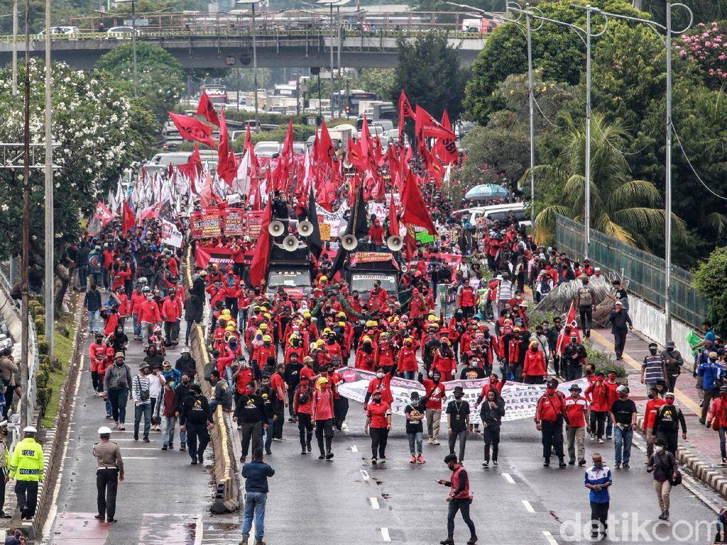 KSPI Demo Tolak RUU Cipta Kerja dan PHK Dampak Corona di Depan DPR Besok
