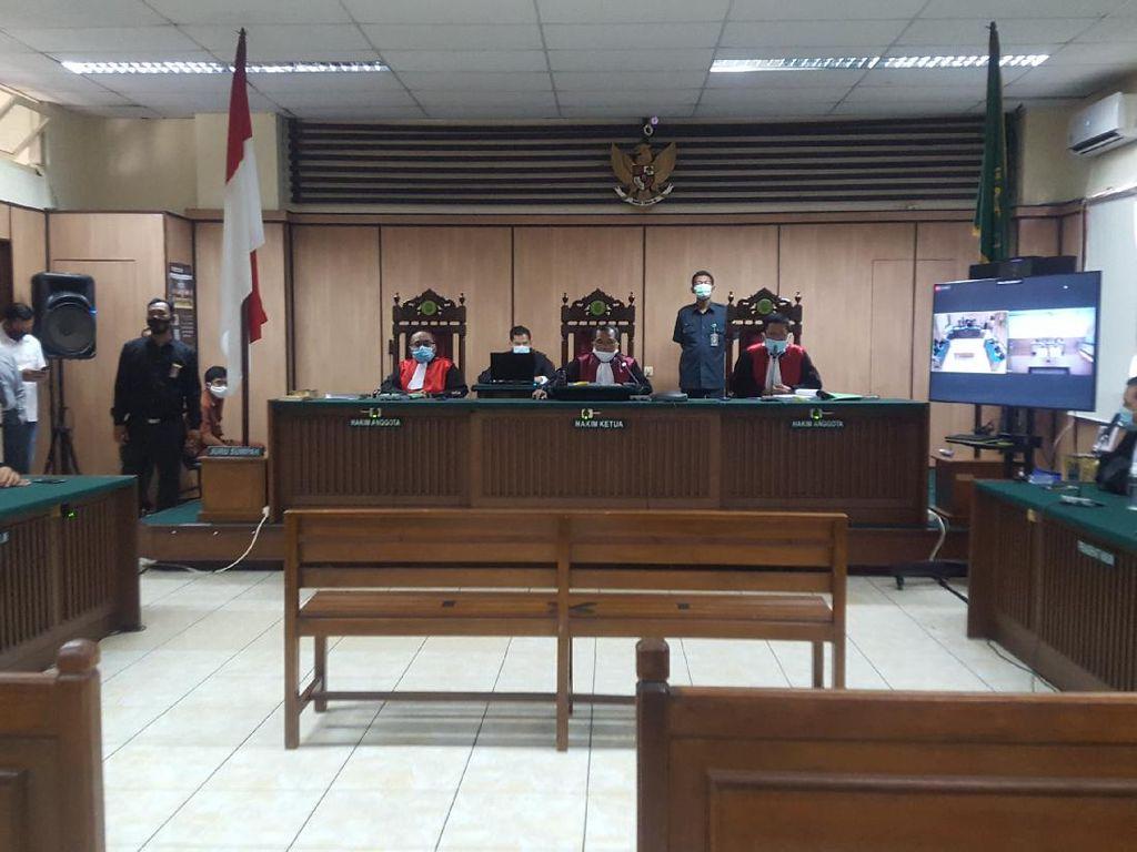 Hakim Ungkap Kesaksian soal 2 Orang di TKP Novel Disiram yang Mirip Terdakwa