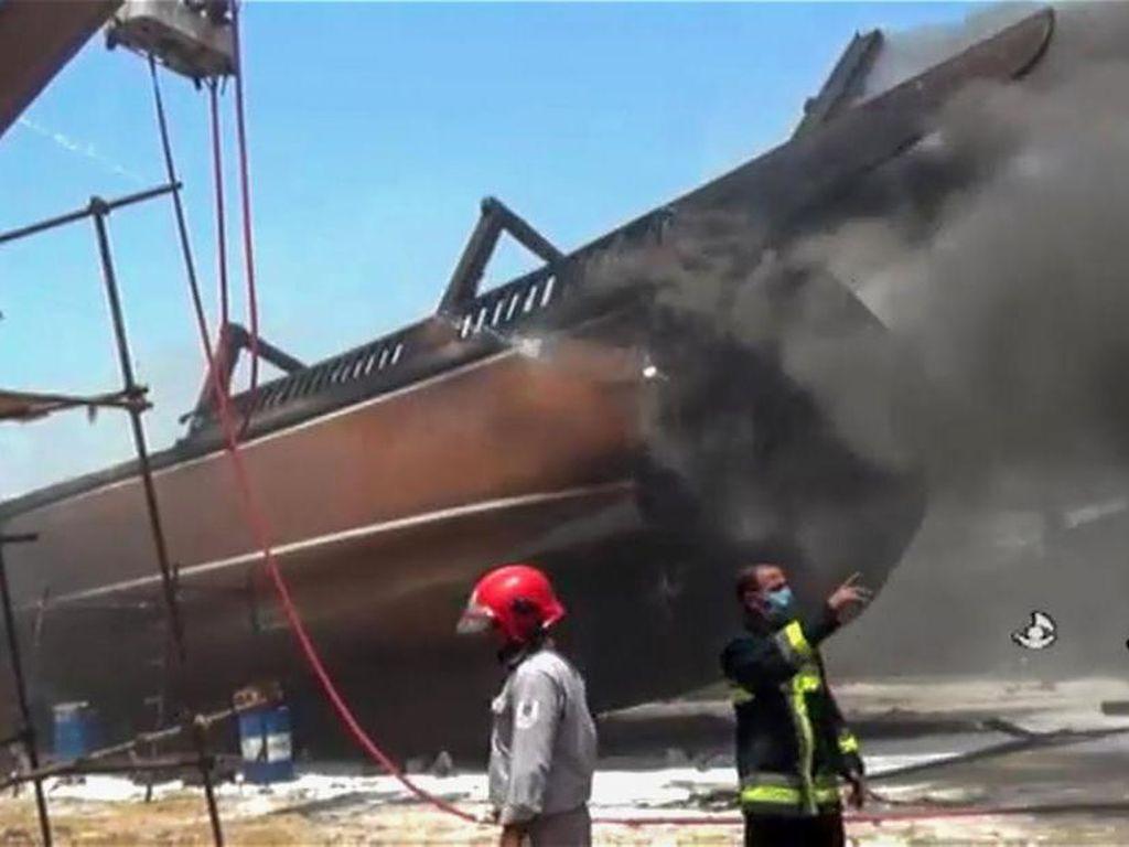 Lagi-lagi Insiden Misterius di Iran, 7 Kapal Terbakar Hebat