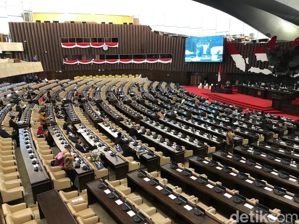 Barisan Kursi Kosong Paripurna DPR, Cuma 96 Anggota yang Hadir Langsung