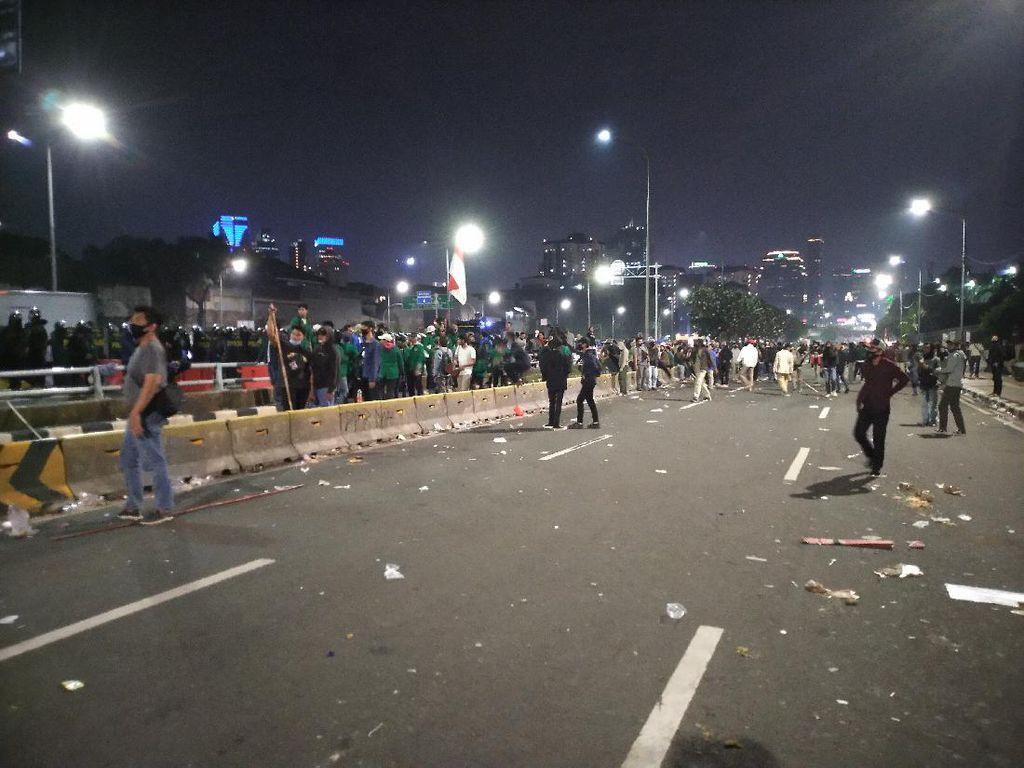 Demo di DPR Ricuh, 20 Orang Perusuh Diamankan Polda Metro