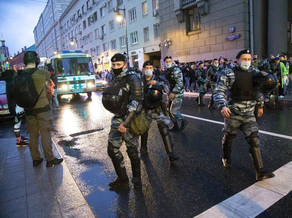 Polisi Rusia Tutup Kota untuk Cegah Massa Protes Pembebasan Navalny