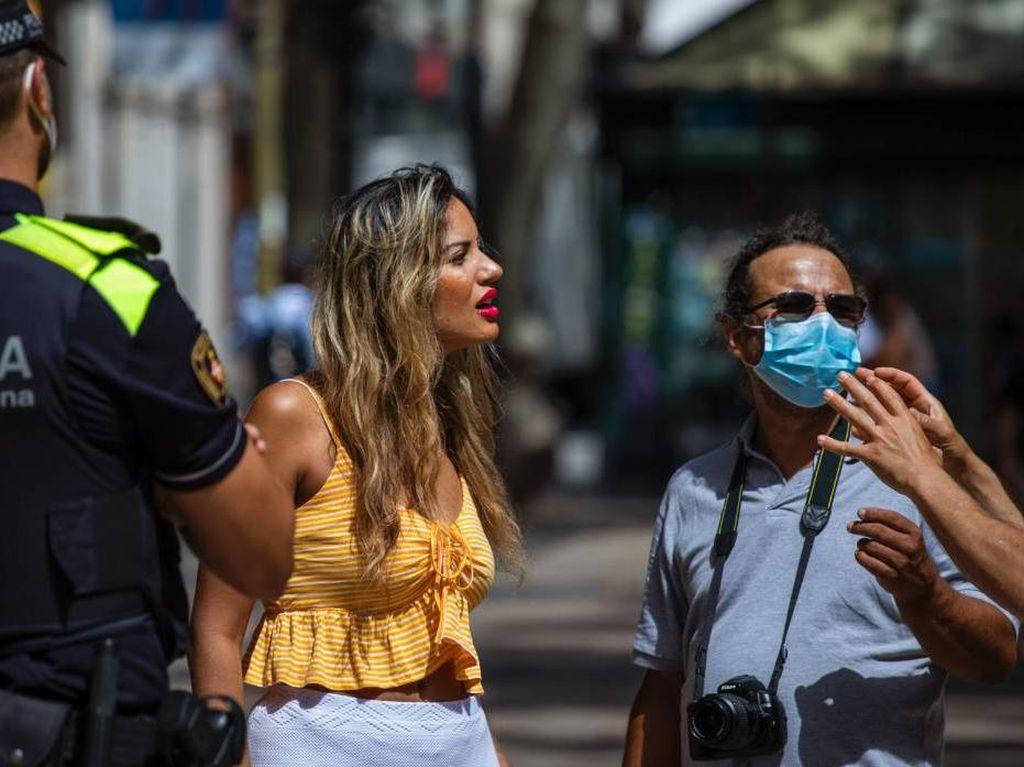 Nggak Pakai Masker di Spanyol, Siap-siap Didenda Rp 1,6 Juta