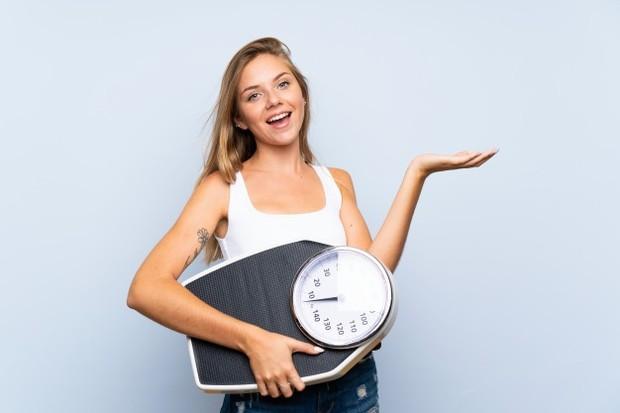 Berat badan yang tidak stabil seperti naik dan turun bisa mengakibatkan payudara kendur.