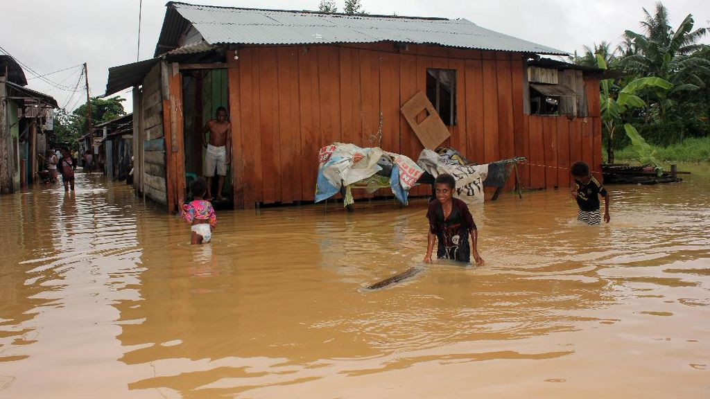 Banjir Juga Rendam Kota Sorong