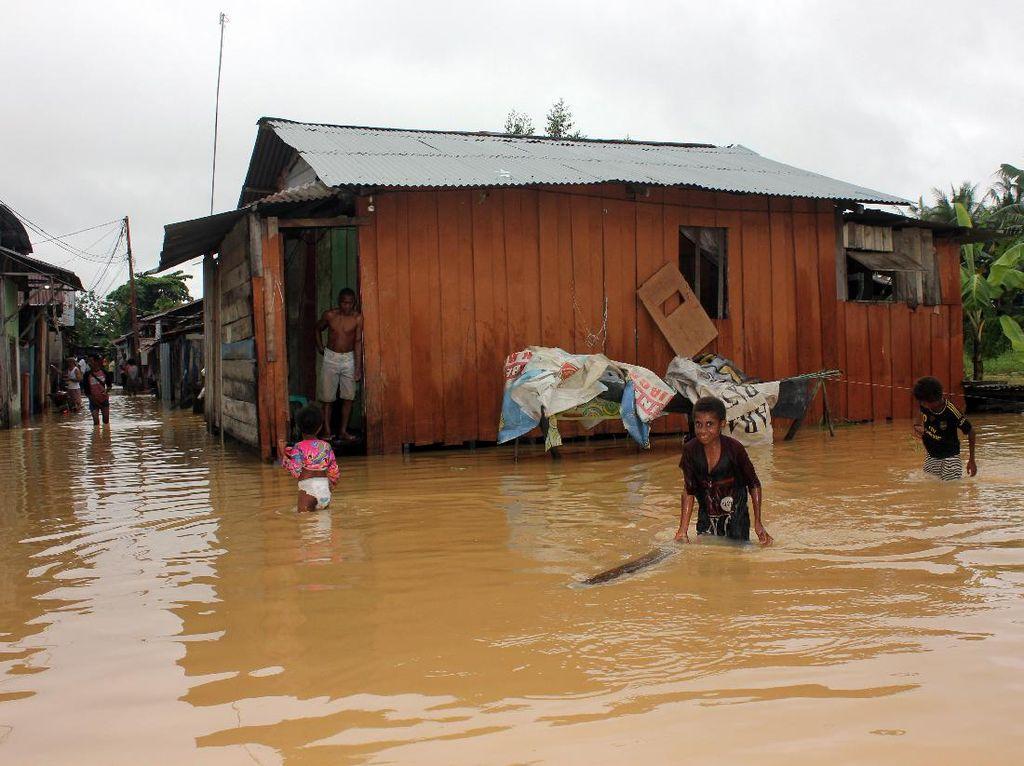 Korban Tewas Akibat Banjir-Longsor di Kota Sorong Bertambah Jadi 5 Orang