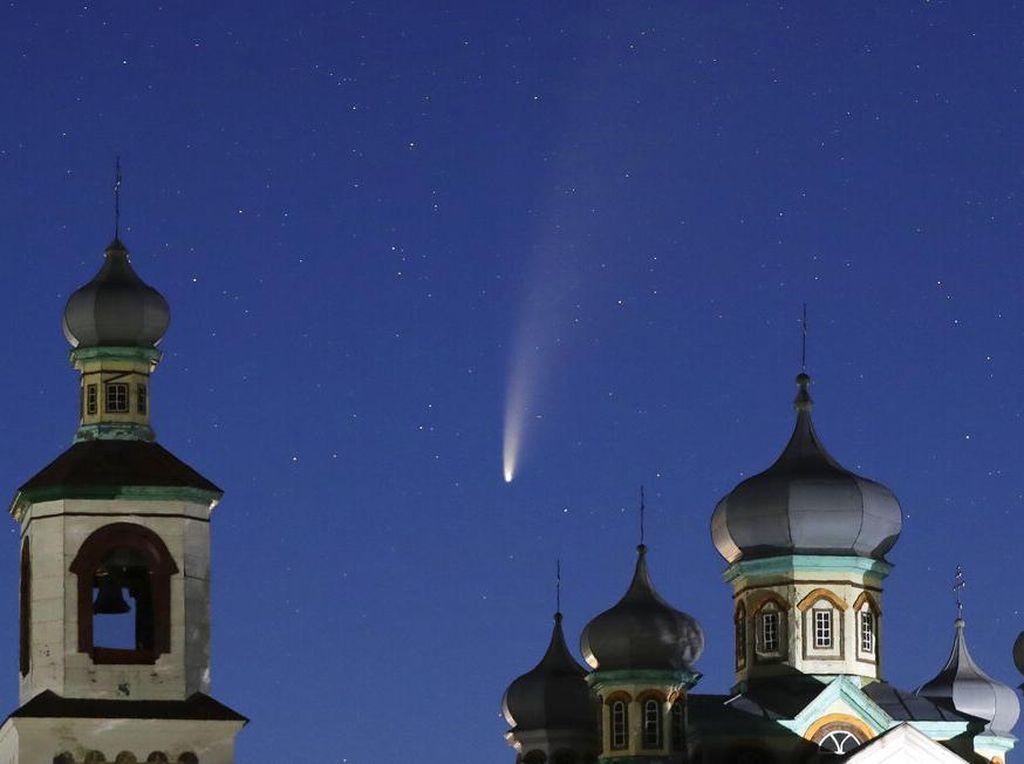 Cara dan Tips Amati Komet Neowise di Langit Indonesia