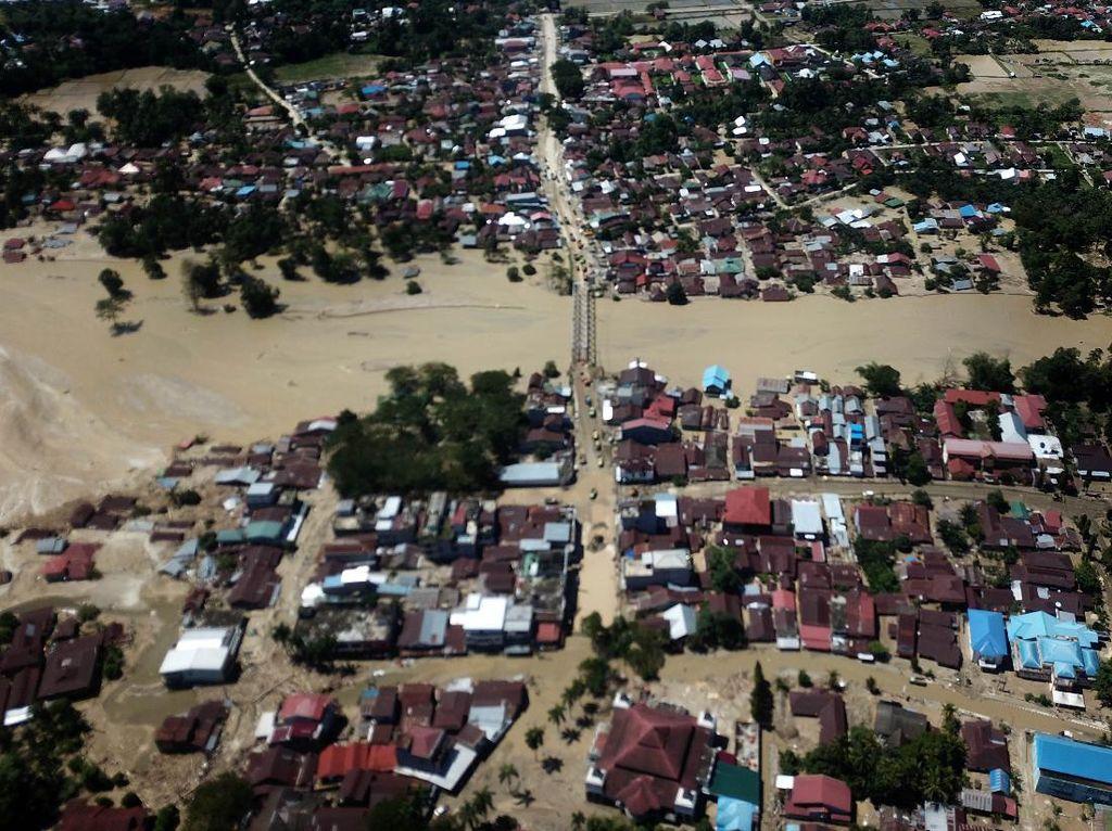 14.483 Orang Mengungsi Akibat Banjir Bandang Luwu Utara