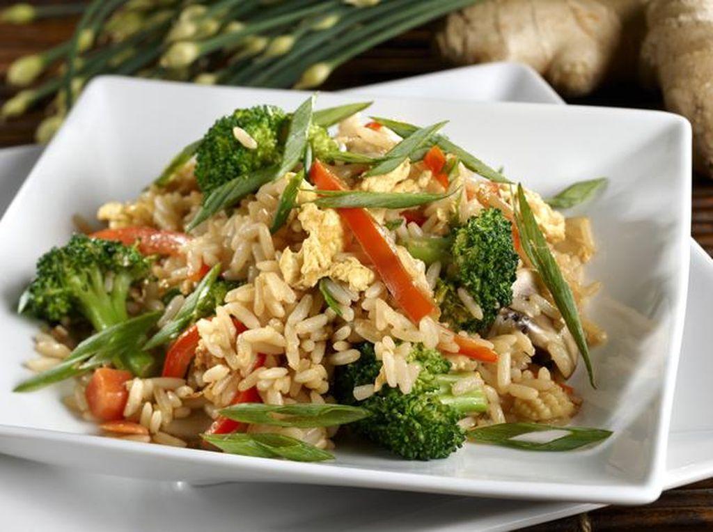 Nasi Goreng Bikin Gendut? Ini 5 Fakta Nutrisinya