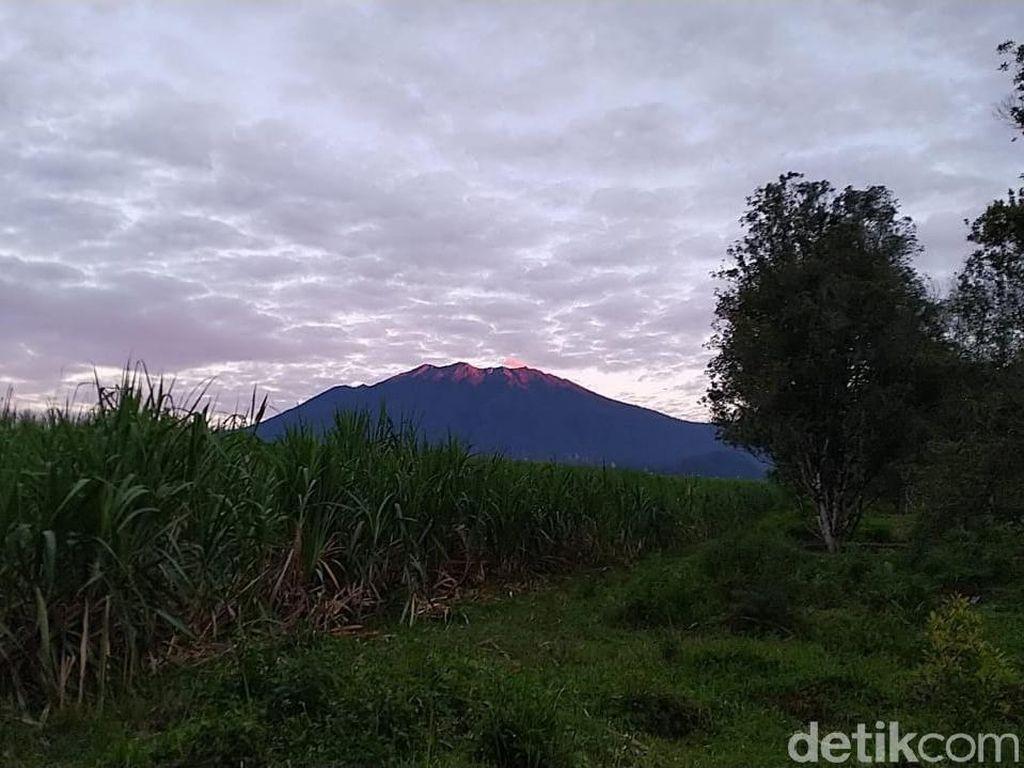 Jumlah Letusan Gunung Raung Turun, Gempa Tremor Naik