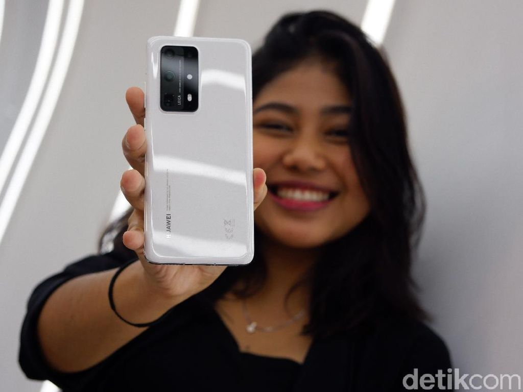 Unboxing Huawei P40 Pro Plus yang Mewah dan Gagah