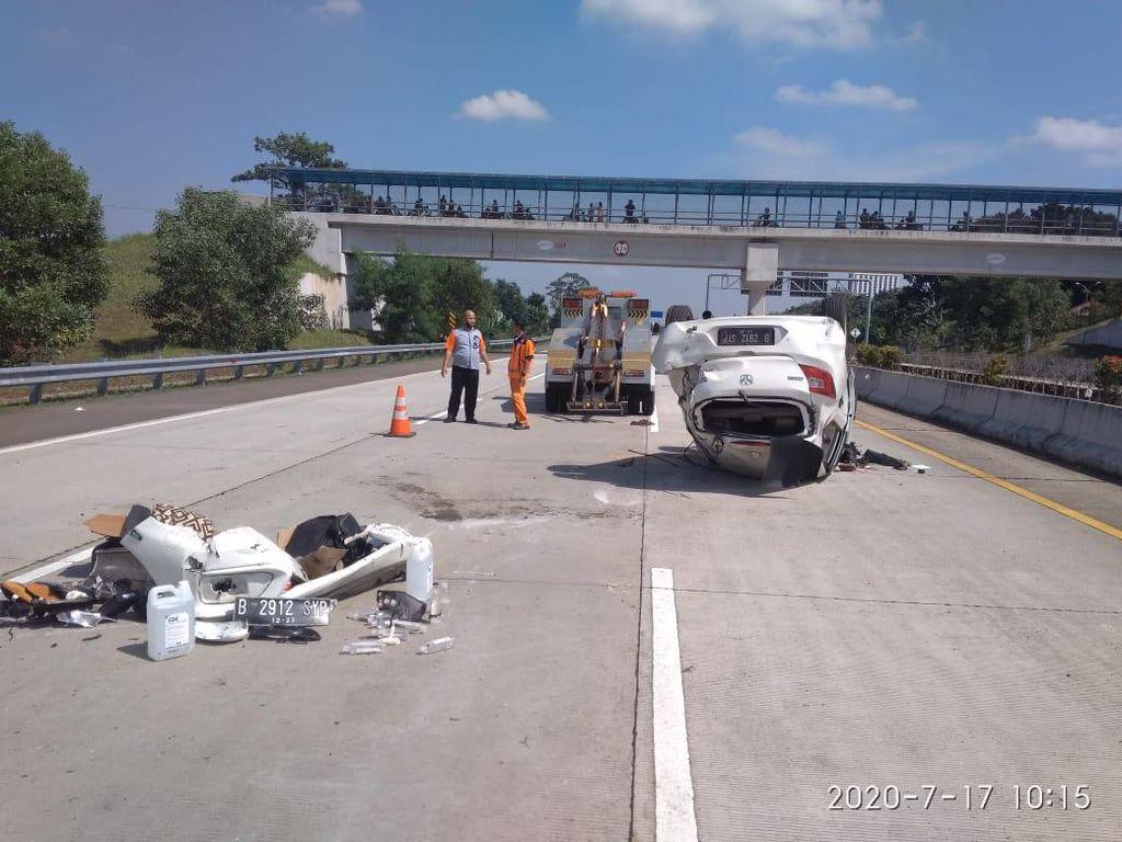 Kecelakaan di Km 16 Tol Cijago, Pengemudi Mobil Tewas