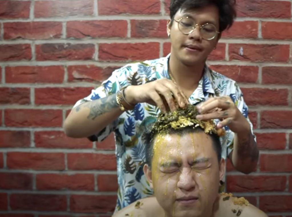 5 Konten Makan Nyeleneh YouTuber Ericko Lim