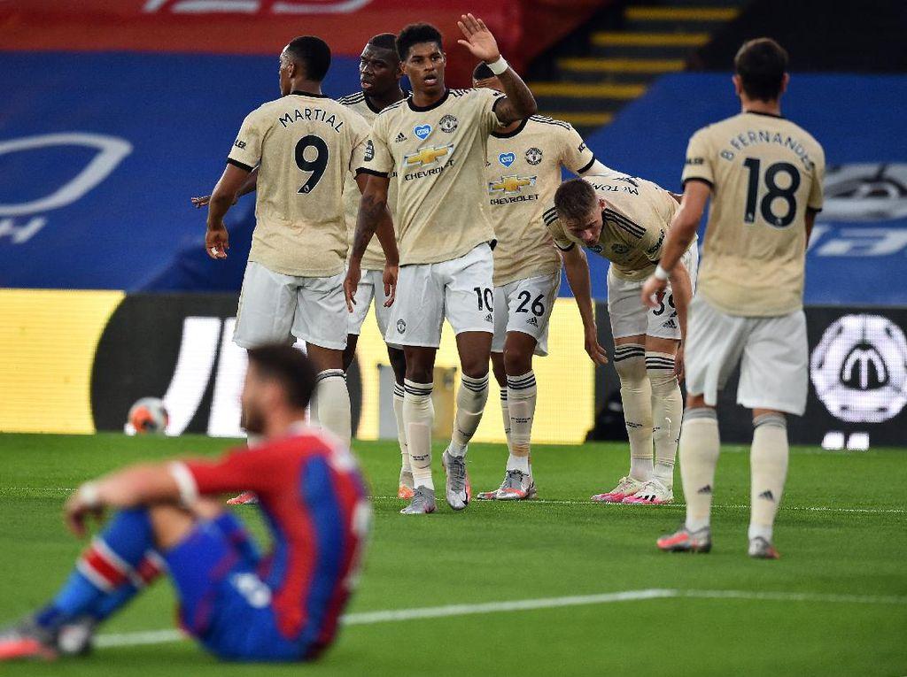 Mourinho: Man United Beruntung dalam Persaingan Empat Besar