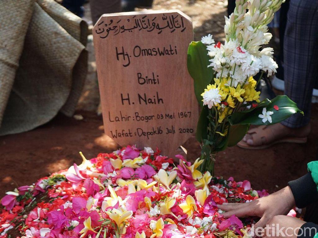 Omas Meninggal, Jarwo Kwat Kehilangan Pelawak Wanita Legendaris