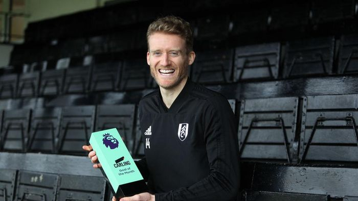 LONDON, ENGLAND - FEBRUARY 06:  Andre Schurrle of Fulham Wins the Carling Goal of the Month Award for January on February 06, 2019 in London, England. (Photo by Christopher Lee/Getty Images for Premier League)