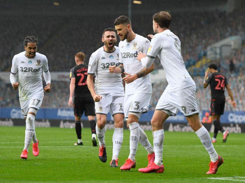 Akhiri Penantian 16 Tahun, Leeds Promosi ke Premier League