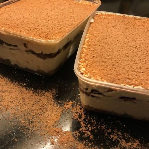 Dessert box rasa tiramisu dan milo.