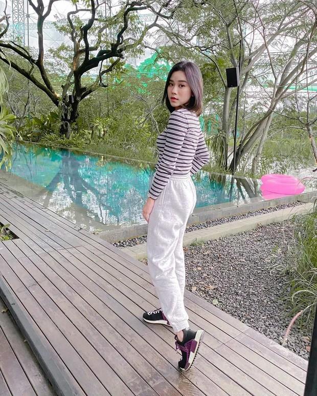 Selain berparas cantik dan manis, Jessica Jane juga memiliki selera fashion yang fashionable.