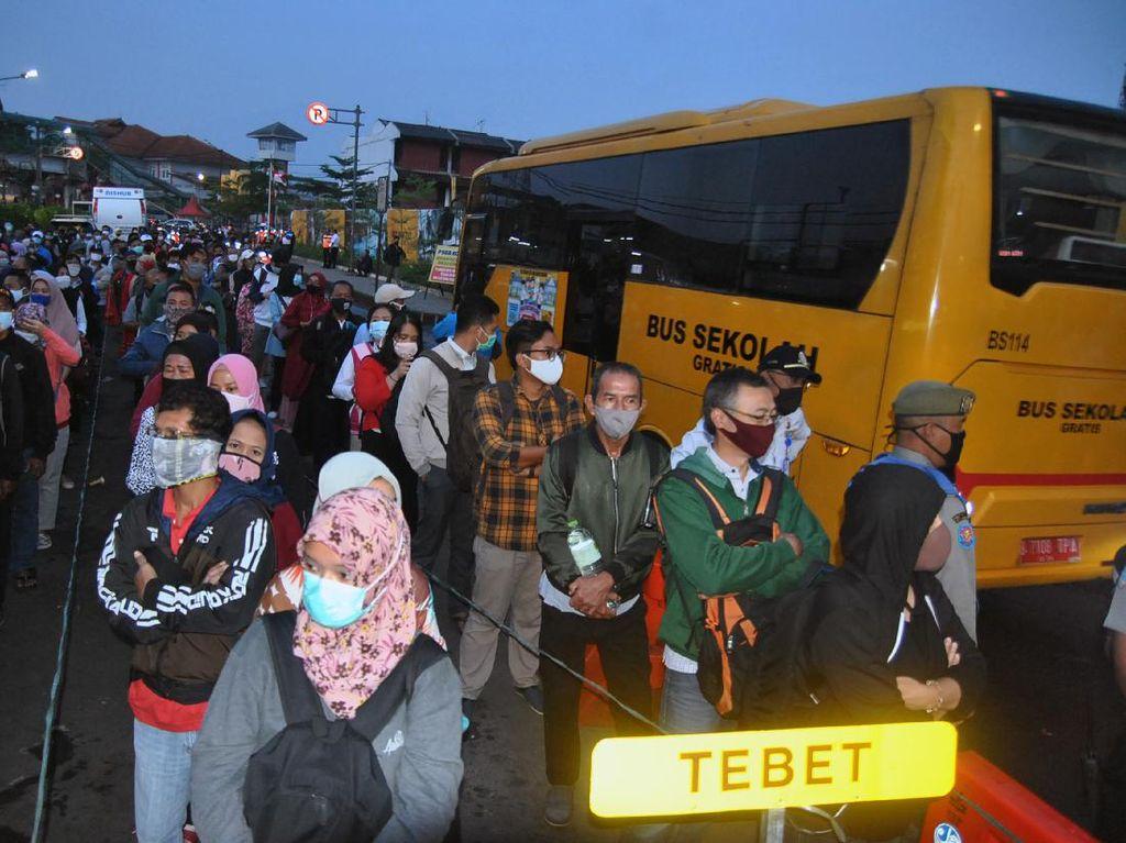 Ini Alasan Pemprov DKI Kurangi Bus Gratis di Stasiun Bogor