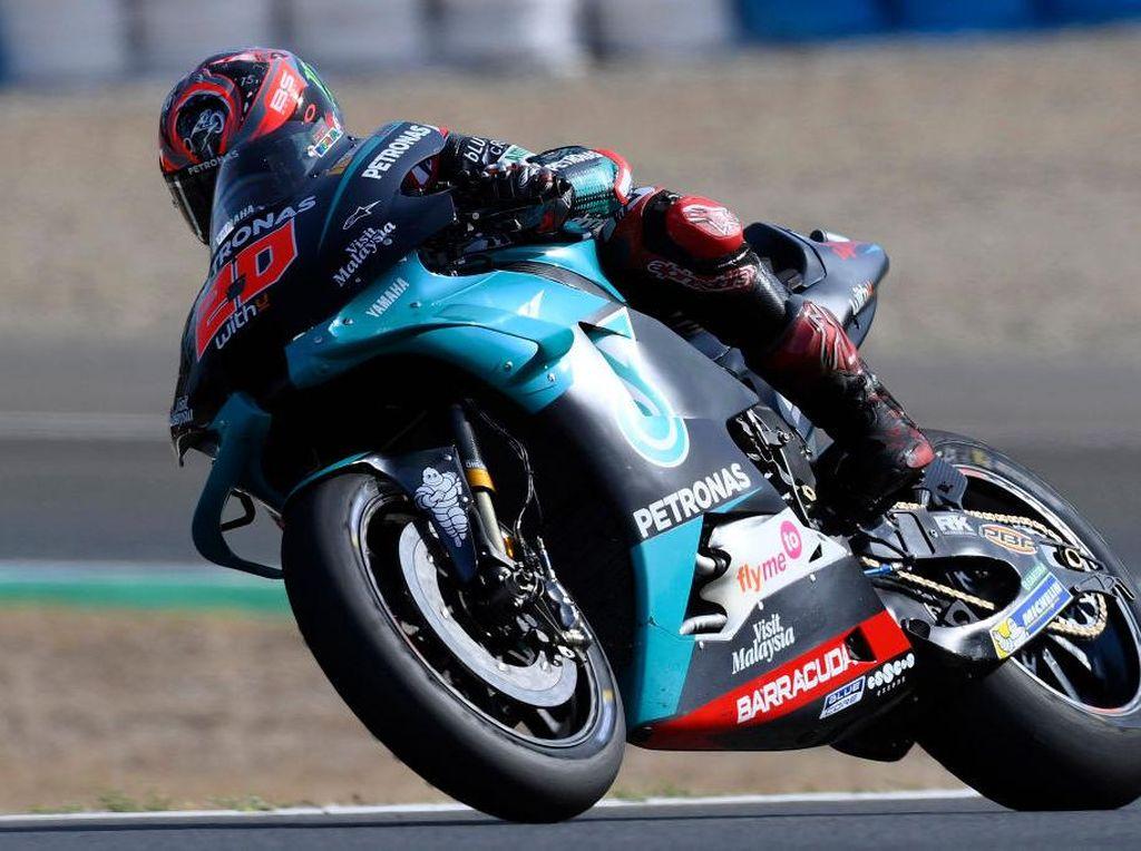 Motor MotoGP Ngerem dari 292 Km/jam ke 93 Km/Jam dan Menikung 200 Km/jam