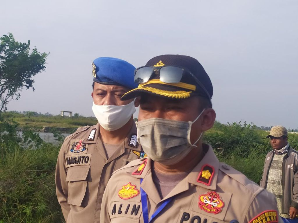 Polisi Kerahkan Anjing Pelacak Cari Pembongkar Makam di Bekasi