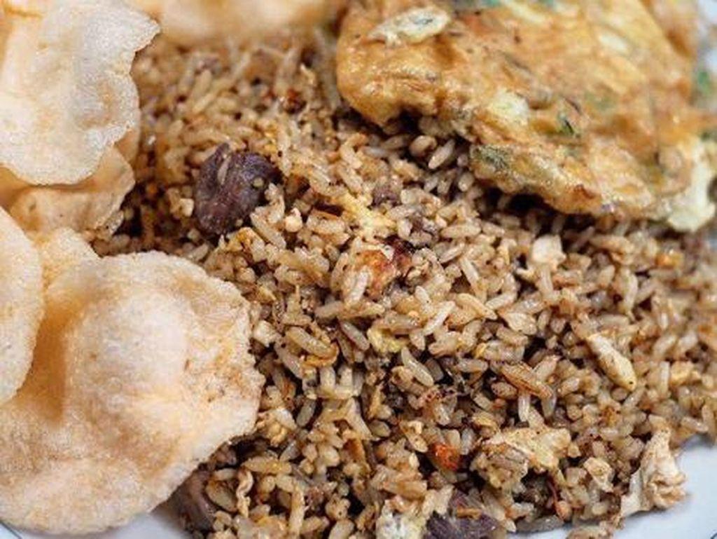 5 Nasi Goreng Unik Ini Pakai Tambahan Usus Hingga Bistik Ayam