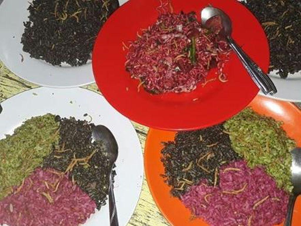 Icip-icip Nasi Goreng Warna-warni Khas Kedai Thole Kitchen