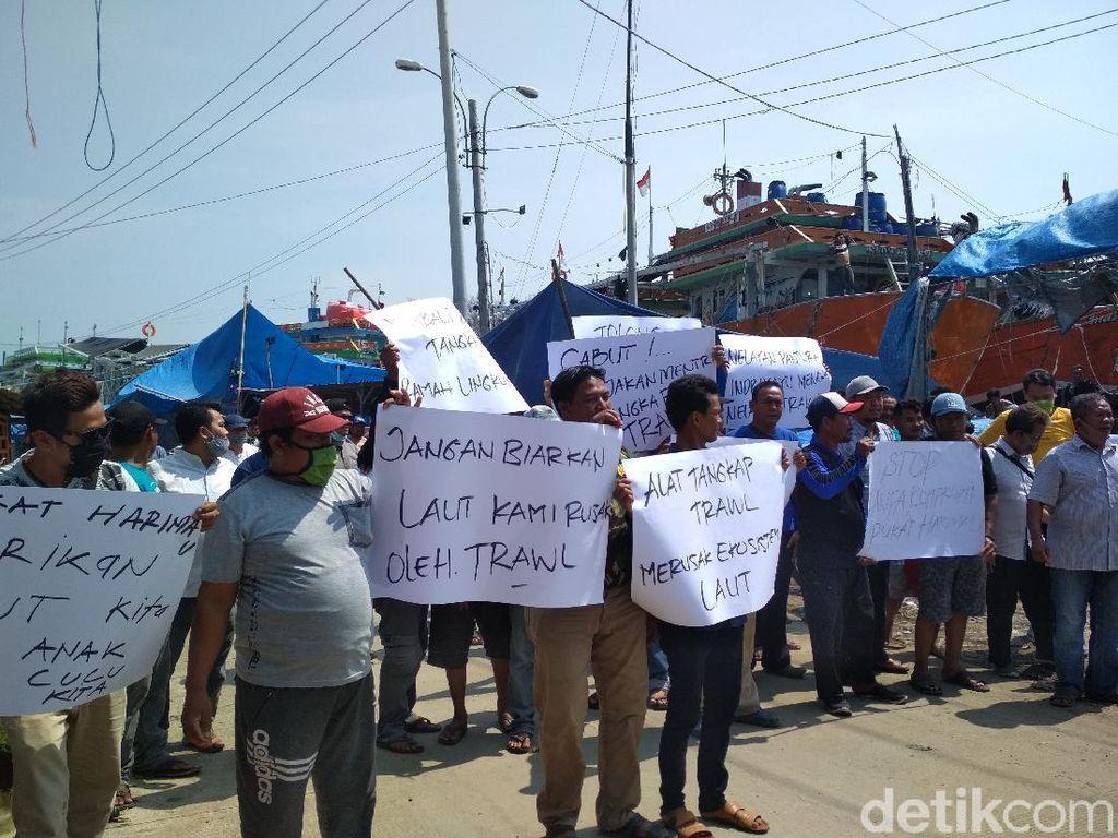 Nelayan Indramayu Desak Menteri KKP Tindak Pengguna Pukat Harimau