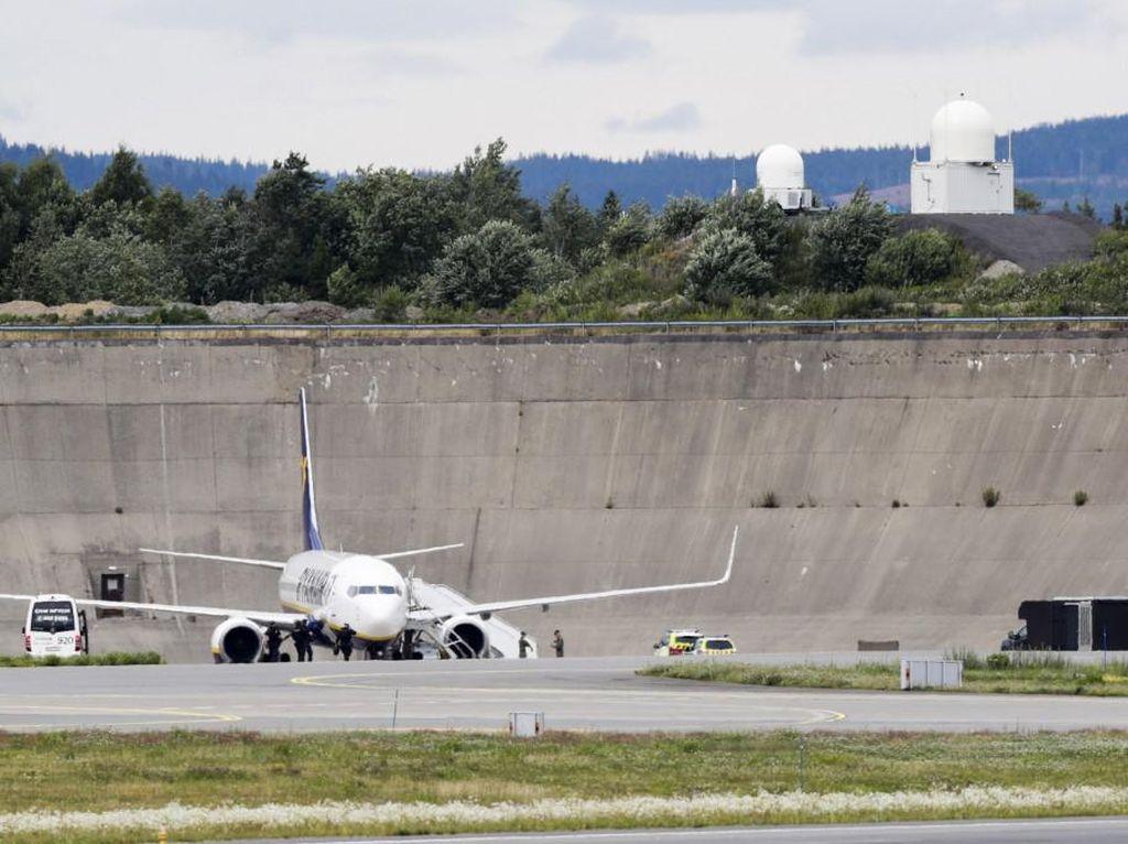 Ryanair Diancam Bom Saat Terbang ke Oslo, Seorang Pria Inggris Ditangkap