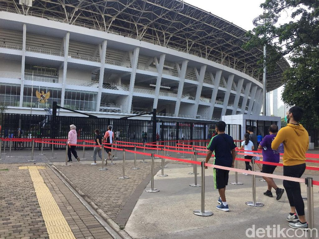 Stadion GBK Sabtu Pagi Ramai Pengunjung, Tak Ada Antrean di Pintu Masuk