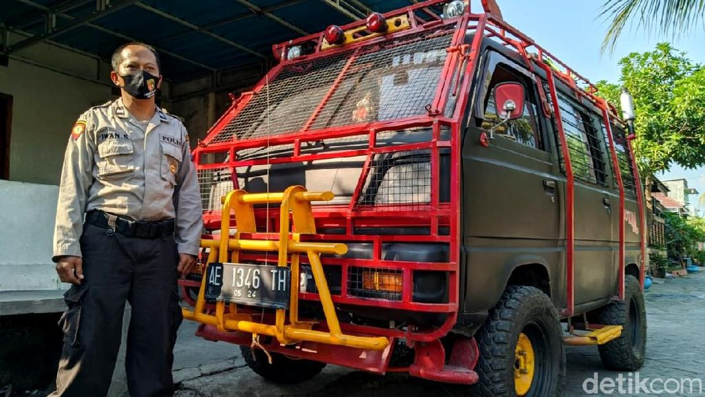 Taktis Banget! Ketika Suzuki Carry Tampil Bak Barracuda