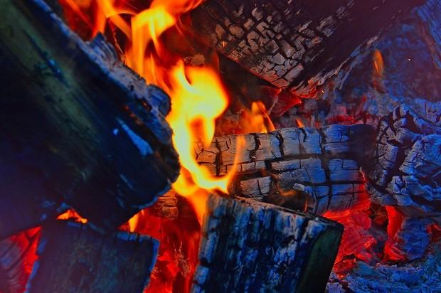 Facial dengan Api/ Foto: pixabay.com