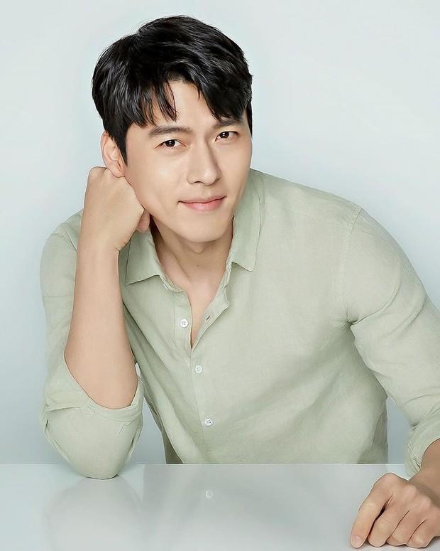Hyun Bin berada di urutan kedua aktor Korea dengan bayaran termahal. Ia menerima bayaran senilai 84 juta won atau setara Rp1 miliar untuk satu episode.