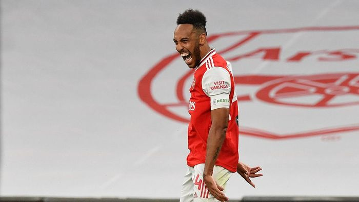 LONDON, ENGLAND - JULY 18: Pierre-Emerick Aubameyang of Arsenal celebrates after scoring his teams second goal during the FA Cup Semi Final match between Arsenal and Manchester City at Wembley Stadium on July 18, 2020 in London, England. Football Stadiums around Europe remain empty due to the Coronavirus Pandemic as Government social distancing laws prohibit fans inside venues resulting in all fixtures being played behind closed doors. (Photo by Justin Tallis/Pool via Getty Images)