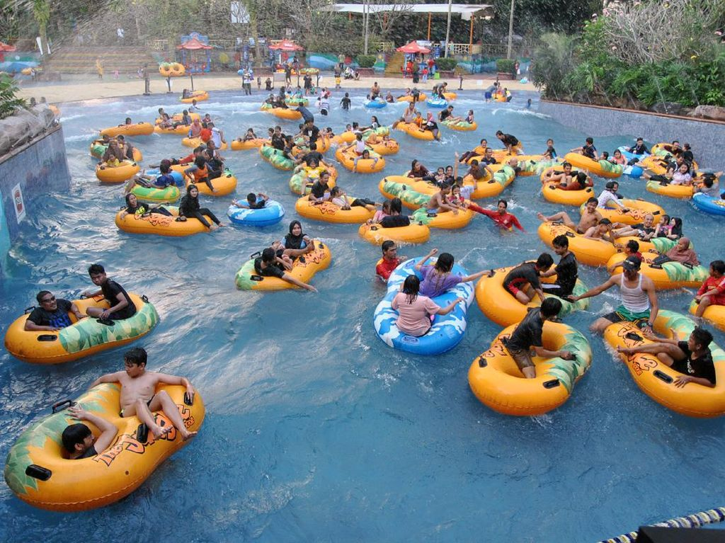 Kembali Dibuka, Waterpark di Bogor Ini Ramai Saat Akhir Pekan