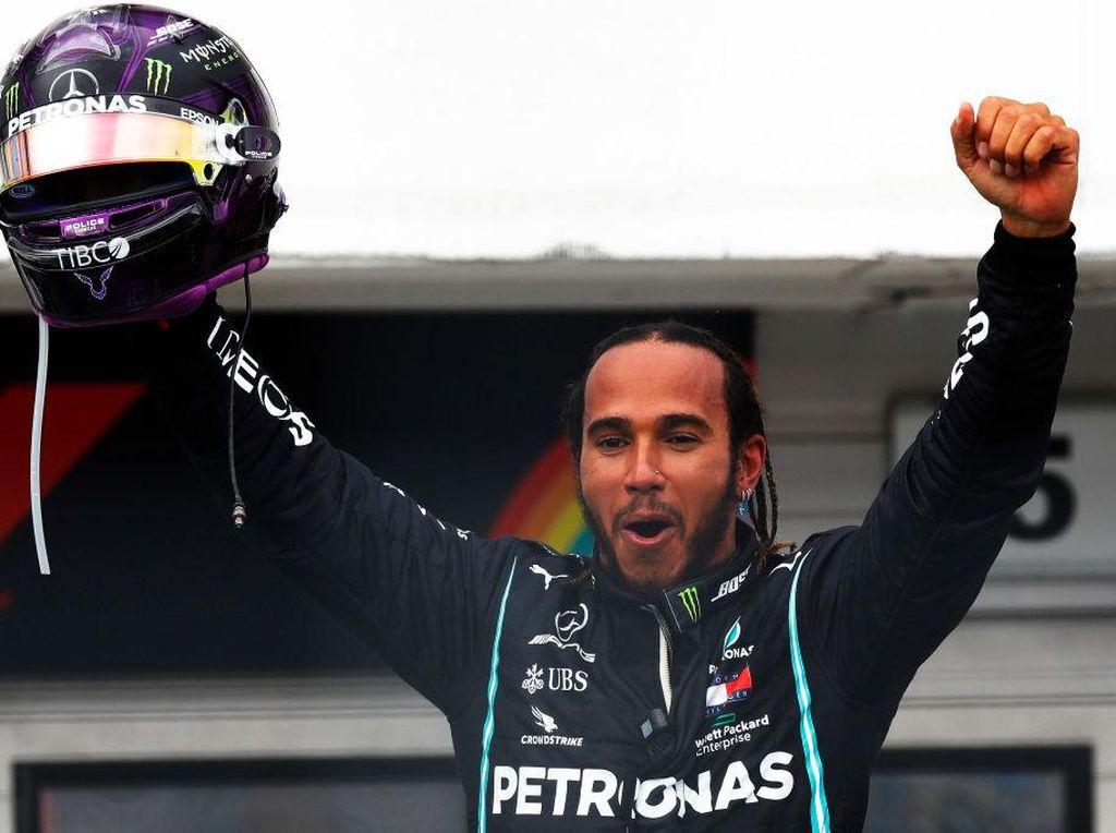 Menangi GP Hongaria, Hamilton Samai Rekor Schumacher