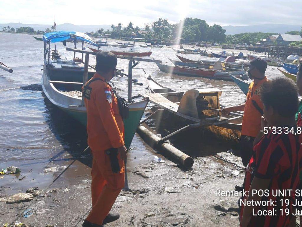 Nelayan di Bulukumba Selamat dari Maut Usai Kapalnya Terbalik